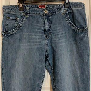 Tommy Hilfiger. Men's jeans. Light wash.